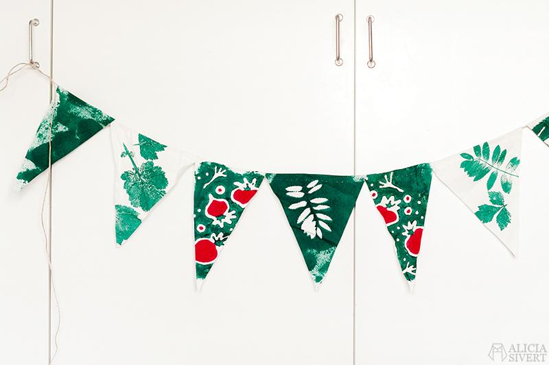 aliciasivert alicia sivertsson alicia sivert kurs textil bild och form textilt bildskapande textilkonst hantverk skapa skapande kreativitet tyg pastareservage mjölbatik batik afrikansk flaggspel vimpel vimplar växttryck tryck med växter textiltryck