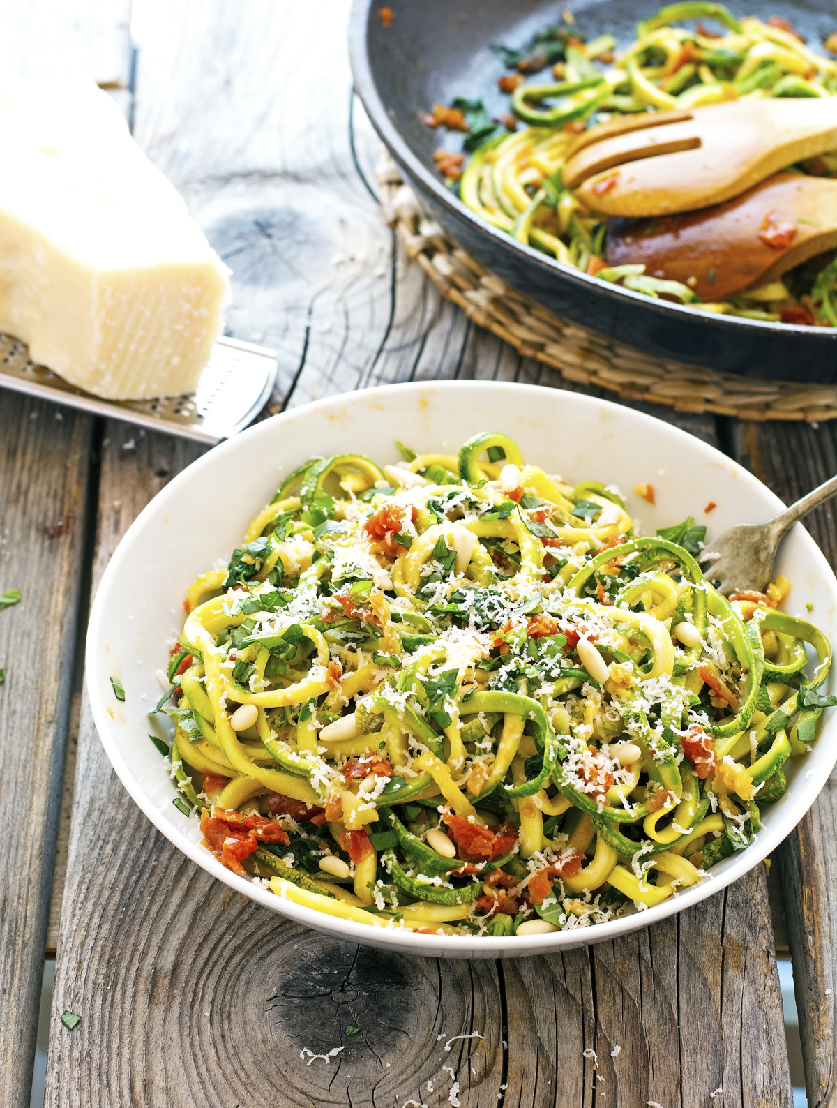 Spinach and Sun-Dried Tomato Zoodles