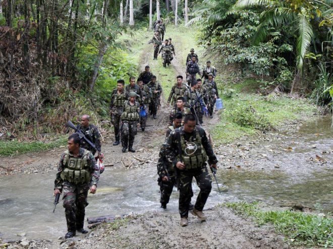 الجيش الفلبينى يقضي على 36 من المتشددين يعتقد انهم على صلة بداعش