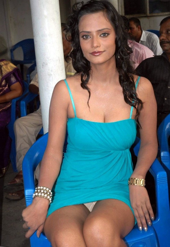 Hamara Net: Tollywood Actress Shayirakhan Sexy Stills