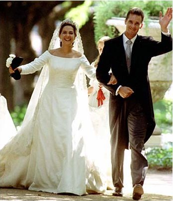 This Has Always Been A Favorite For Me It S Just One Of Those Gowns That Stuck In My Mind Since The Wedding Itself Which I Would Say Is