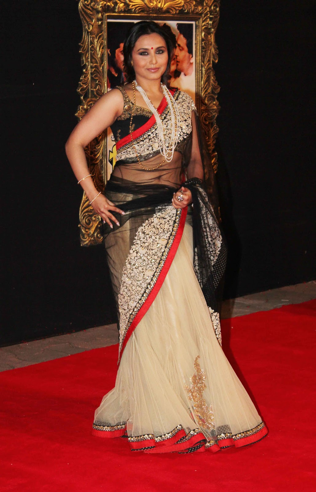 Bollywood Spicy Actress Rani Mukherjee Latest Hot White -6629