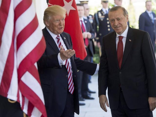 Οι κρυμμένοι άσοι Τραμπ στο πόκερ με τον Ερντογάν