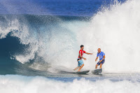 56 Gabriel Medina and Kelly Slater Billabong Pipe Masters foto WSL Tony Heff
