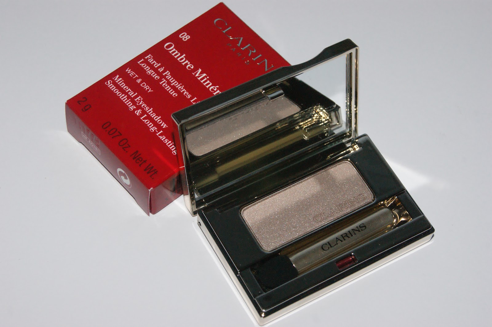 23d7ae691f0 Today I have another Autumn offering from Clarins in the form of their new