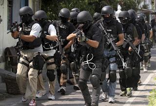 Mantap Densus 88 Berhasil Menangkap Jaringan Teroris Terkait Bom Solo - Commando