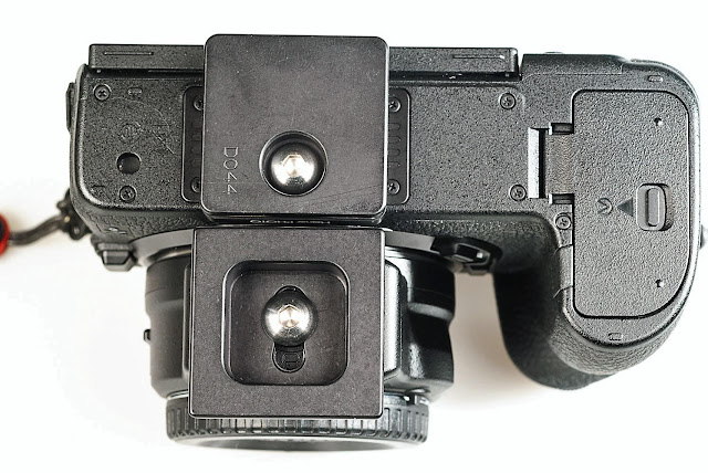 Hejnar D044 and D045 QR plates on Nikon Z mirrorless camera bottom view