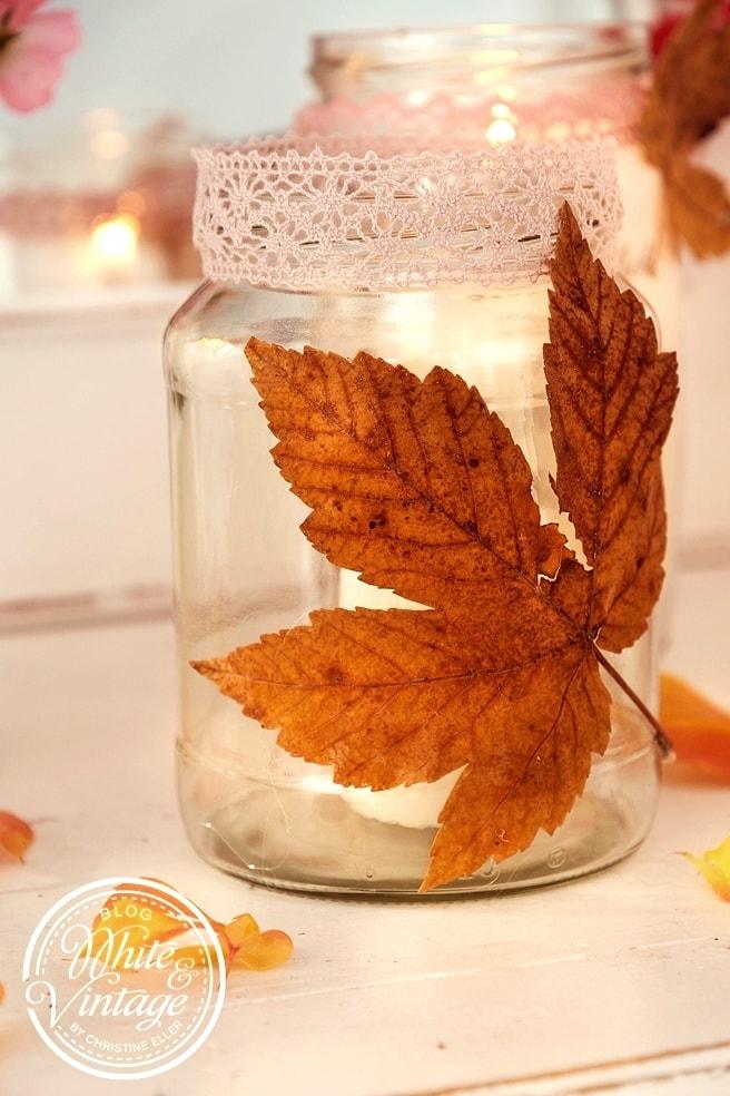 DIY Herbstdeko mit Herbstblättern basteln