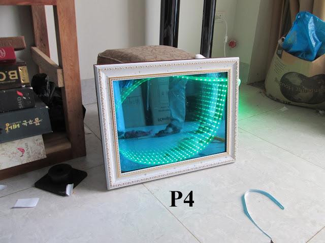 ảnh thực tế của gương vô cực ứng với mẫu decal dán kính phản quang