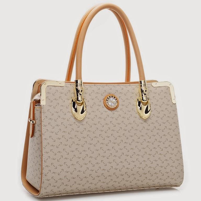 """d401bb8c58fd Molto belle e fashion le borse che potete trovare nella sezione """"Accessori""""  in tante tinte e forme diverse"""