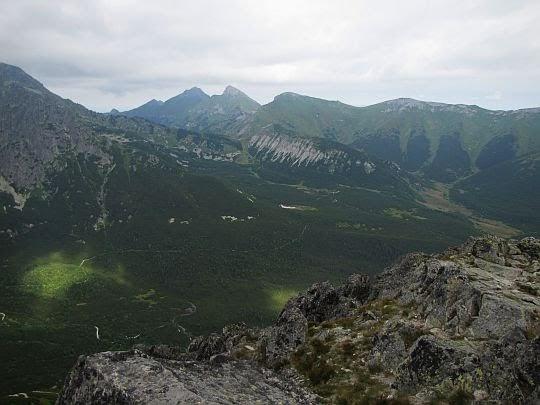 Dolina Kiezmarska i Tatry Bielskie.
