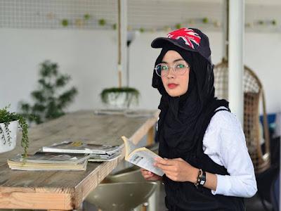 trend fashion hijab tomboy