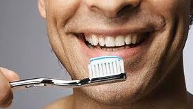 Hukum Menyikat Gigi Saat Berpuasa