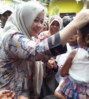 Kunjungi Desa Doridungga, Bupati Pantau Perekaman e-KTP