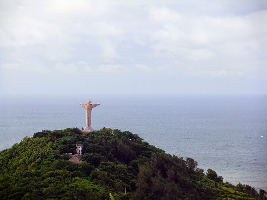 Vung Tau, a favorite beach of Southern people 21