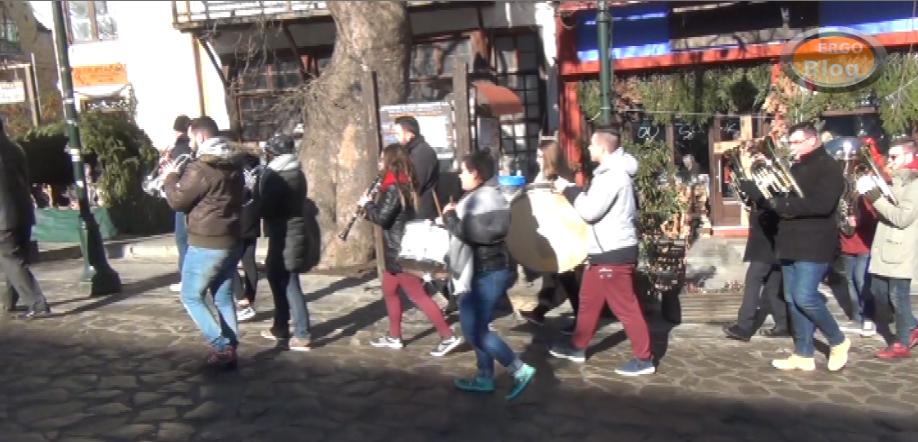 Τα Κάλαντα απο την φιλαρμονική της Αρναίας (βίντεο)