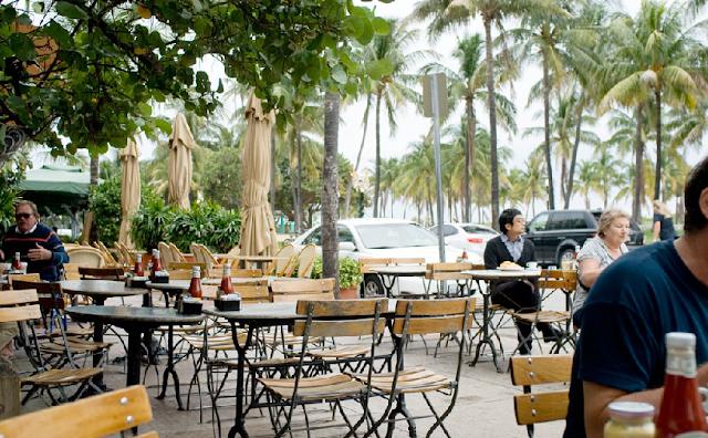 News Cafe na Ocean Drive em Miami