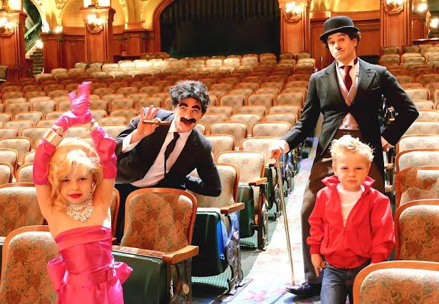 O Halloween de 2016 foi uma homenagem ao cinema na família Harris-Burtka, com os pequenos de Marilyn Monroe e James Dean e os adultos de Groucho Marx e Chaplin.