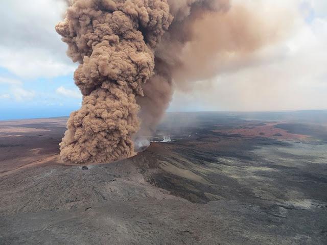 Σοκ και δέος από την έκρηξη του ηφαιστείου Kilauea στη Χαβάη (βίντεο)