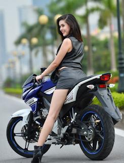 10-Cewek-Cantik-Pakai-Motor-Vixion7