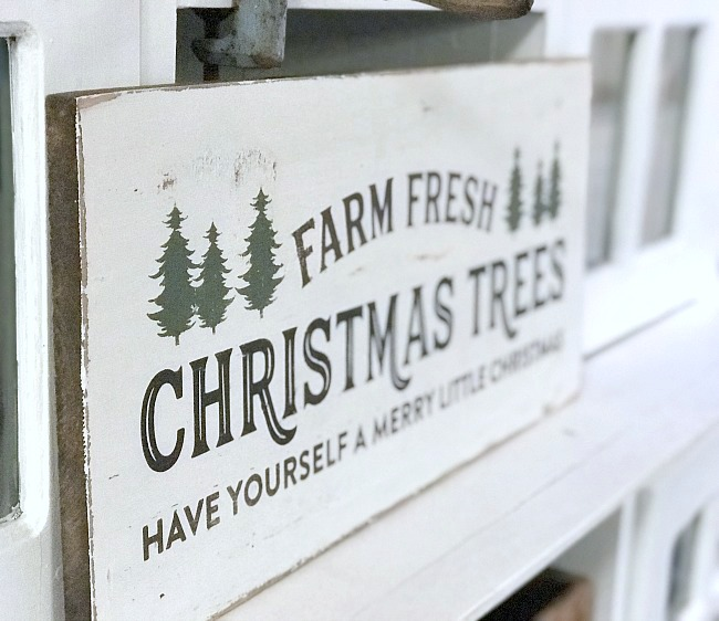 Farm fresh Christmas Tree Sign DIY