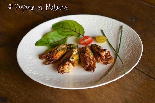 Fleurs de courgette farcies à la ricotta, au thon et aux tomates séchées © Popote et Nature