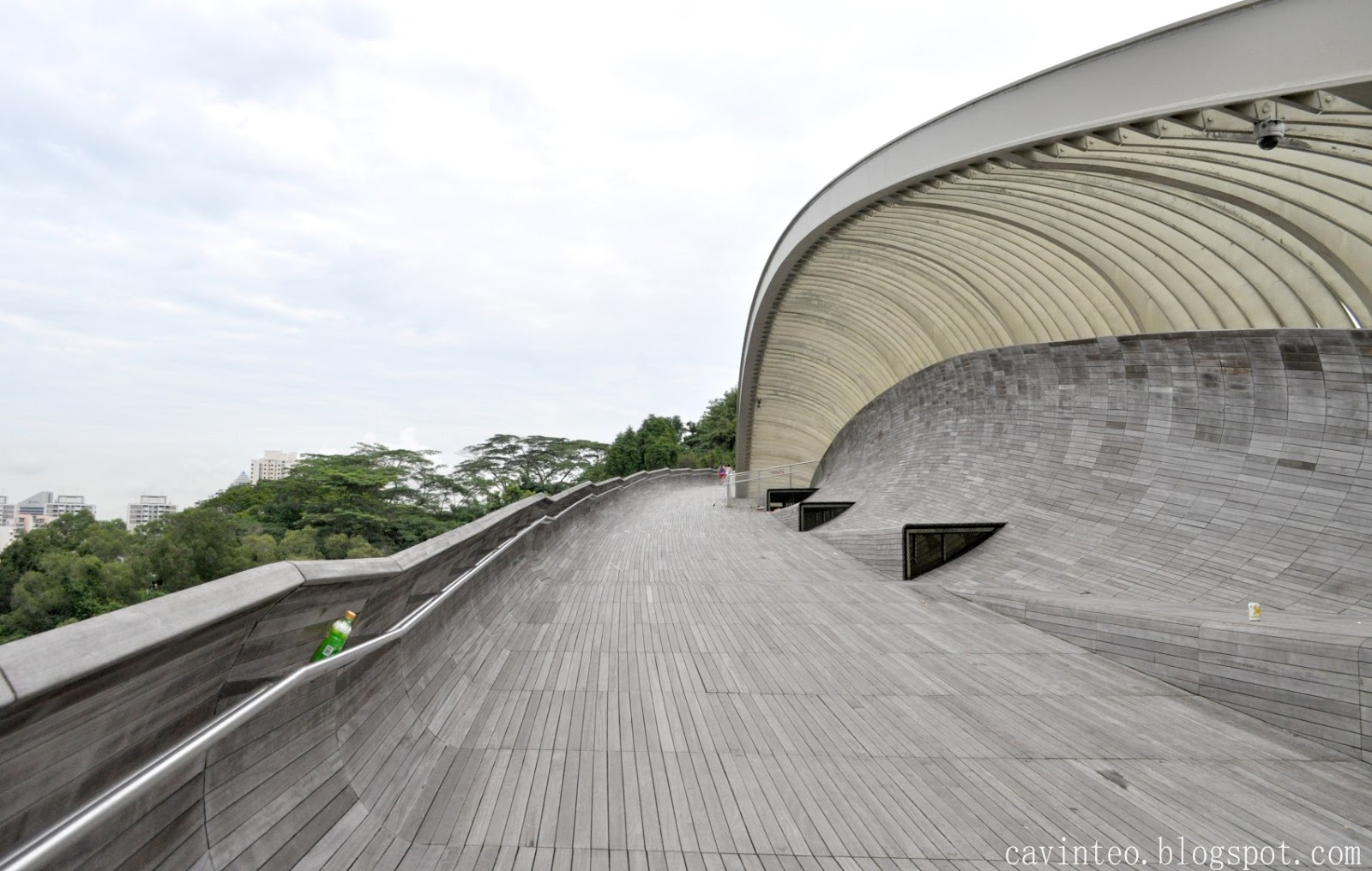 Entree Kibbles: Henderson Waves on a Sunday Morning [Part of