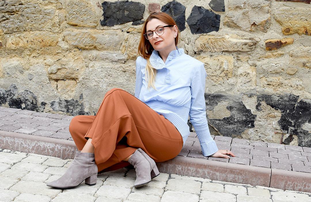 Hellblaue Bluse für Frauen, Bluse in Hellblau von H&M