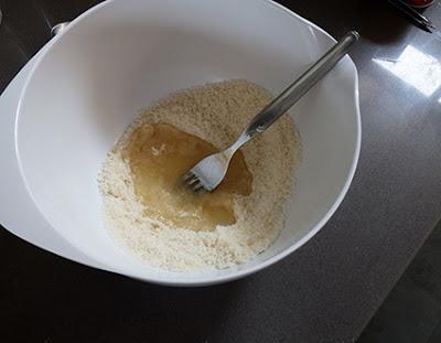 Elaboración de pastelillos de chocolate y frambuesa