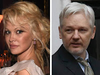 Pamela Anderson su Julian Assange: «La nostra è una lotta romantica»