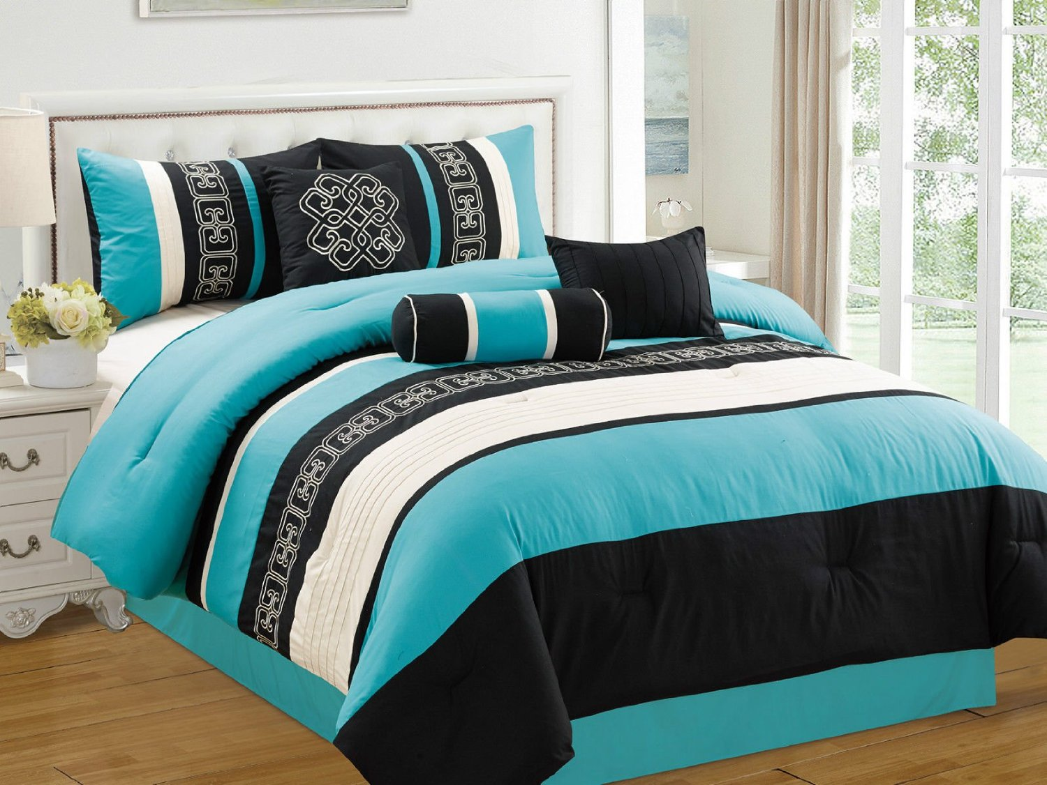 Total fab black white and turquoise bedding for Black and white and turquoise bedroom ideas
