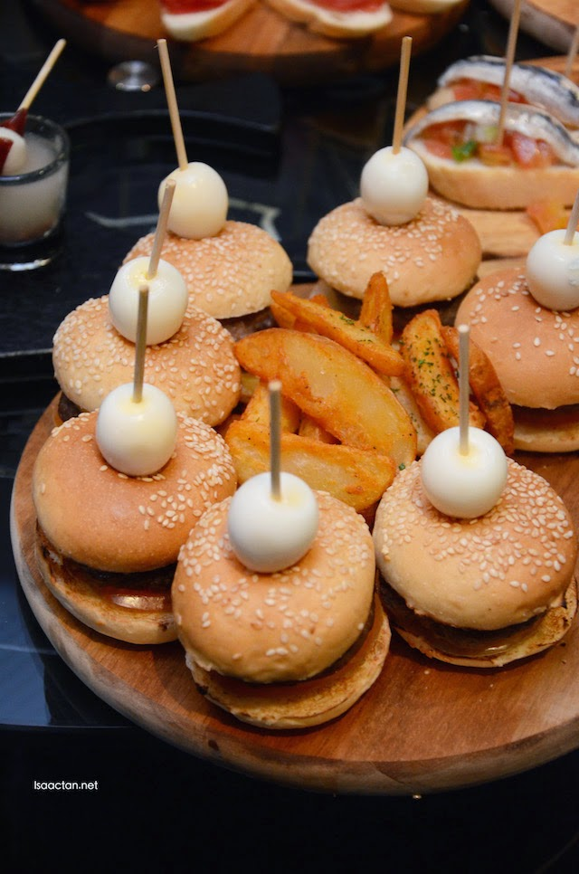 Mini cheese burger
