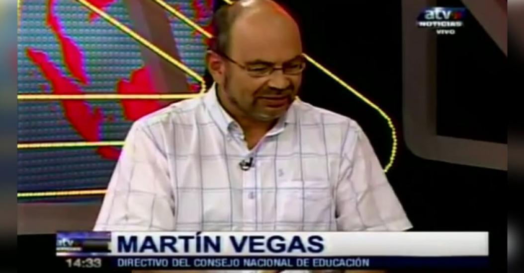 CURRÍCULO NACIONAL: Entrevista al consejero del CNE, Martín Vegas, sobre cambios en el Currículo Escolar - www.cne.gob.pe