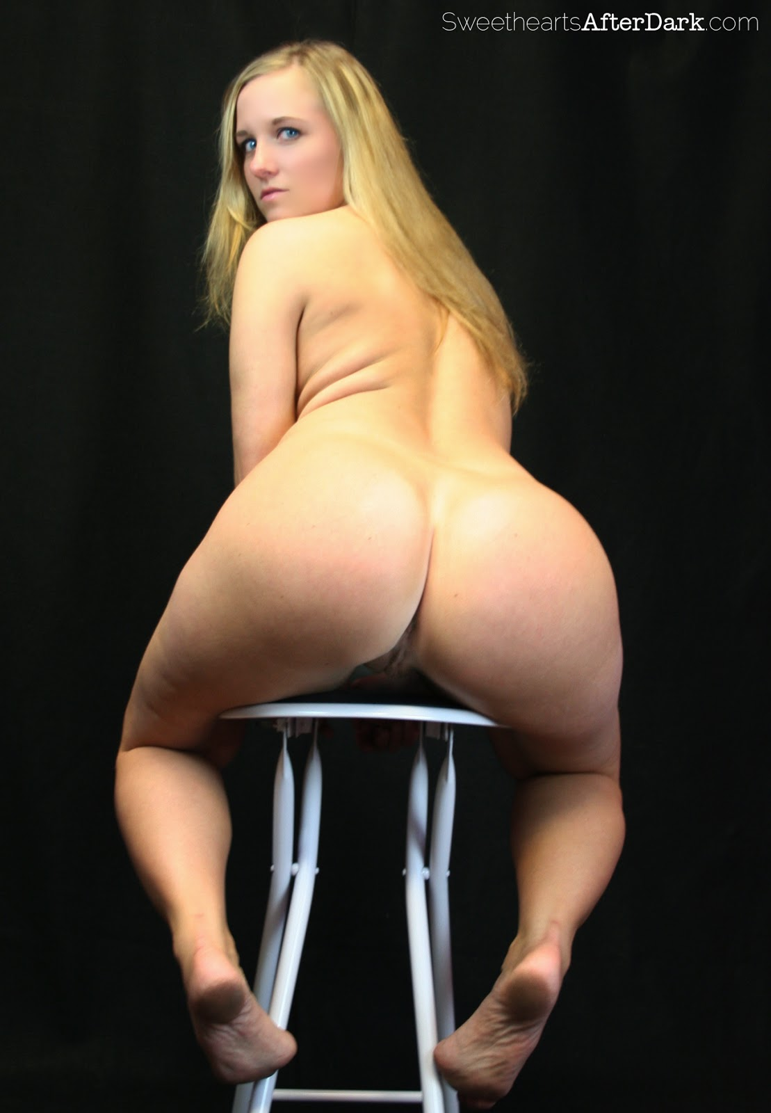 Pawg blonde
