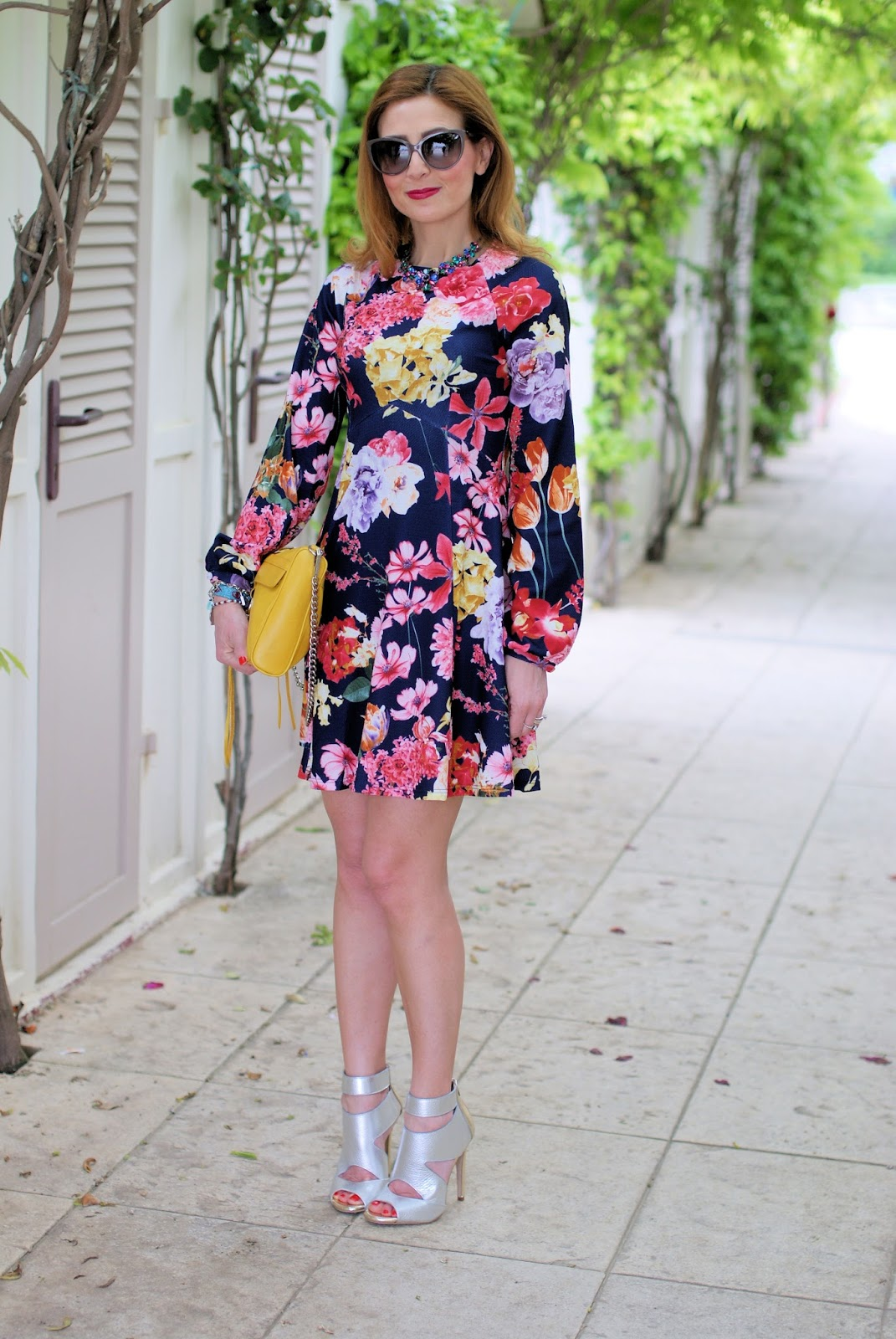 ow to wear metallic heels with Lorenzo Mari silver caged sandals and asos floral dress on Fashion and Cookies fashion blog, fashion blogger style