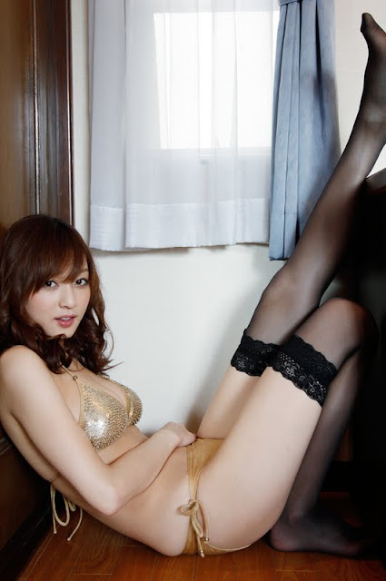 Natsuki+Ikeda+sexy+in+bedroom09