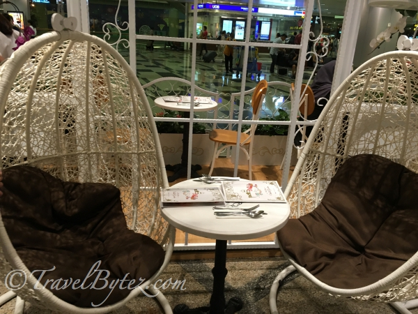 We were seated at the café's most relaxing white hanging chairs (they were the only two in the entire café)!