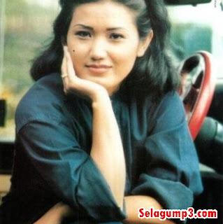 Download Lagu Evie Tamala Paling Populer Full Album Rar