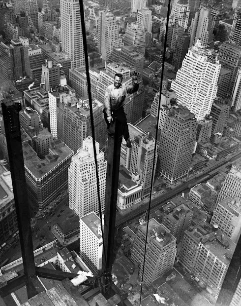 Amazing Vintage Show Dangers Of Constructing Empire State Building