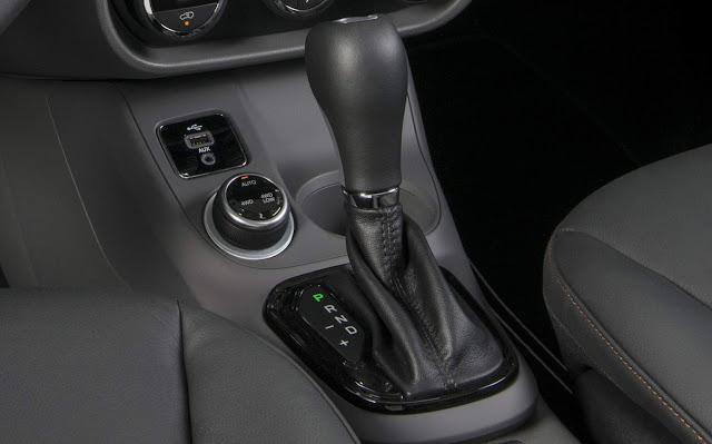 Fiat Toro 2.0 Diesel 4x4  - seletor do sistema de traçãoFiat Toro 2.0 Diesel 4x4