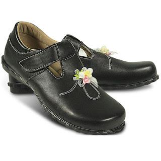 Toko Sepatu Anak Laki-laki Branded Online