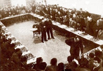 30 simultáneas de Alekhine en 1944