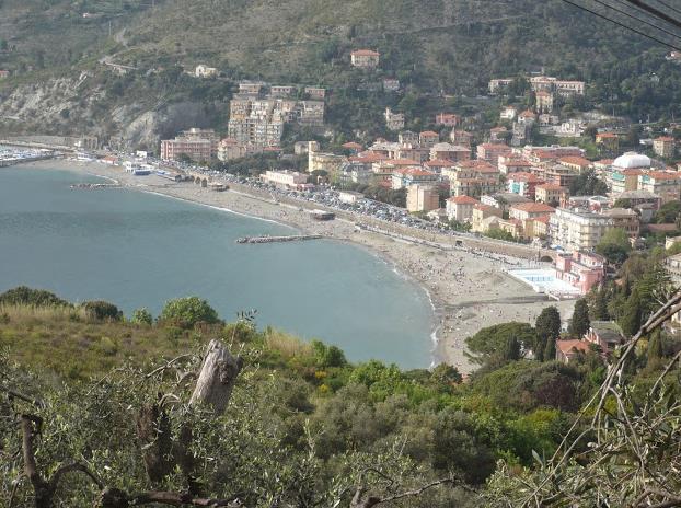sentiero Monterosso - Levanto veduta di Levanto