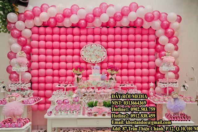 Thi công backdrop bong bóng làm sinh nhật