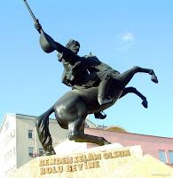 Köroğlu Heykeli