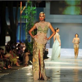 Model Kebaya Modern Anne Avantie