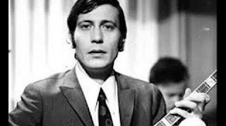 Έφυγε από τη ζωή ο τραγουδιστής Γιάννης Καλατζής!