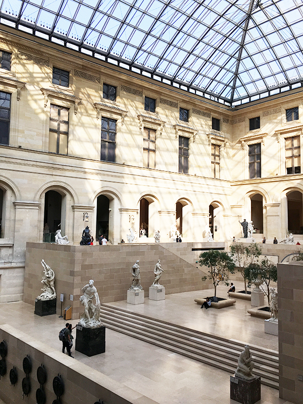 Statue courtyard atrium in the Louvre