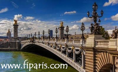 في باريس لخدمات السياحة وتأجير السيارات في باريس fi paris