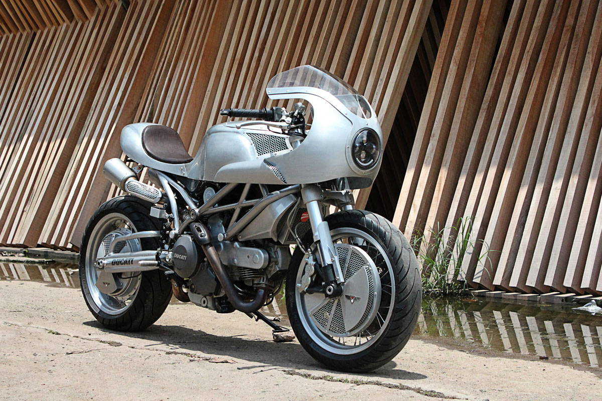 3 Wheeled Motorcycles >> Metal Monster - White Collar Ducati 795 | Return of the Cafe Racers